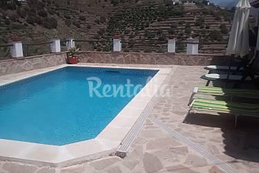 Casa en alquiler a 4 km de la playa torrox m laga for Piscina publica malaga