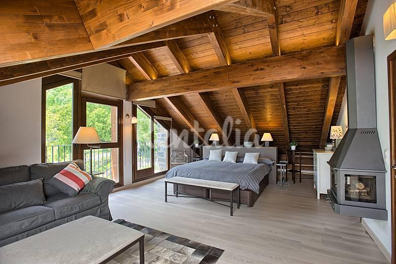 Apartamento d plex casa alejandra sah n huesca - Casas con buhardilla ...