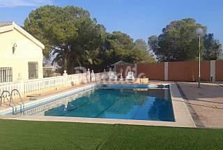 Villa for 8 people 10 km from the beach Alicante