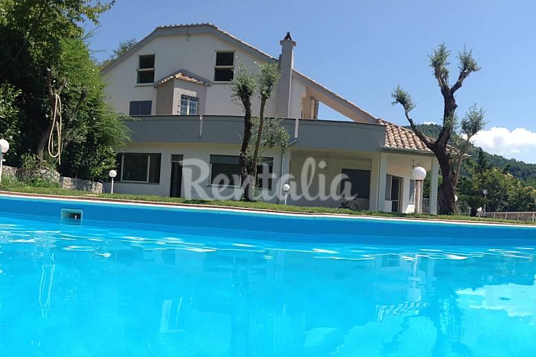 Villa con piscina vicino pompei napoli positano marini cava de 39 tirreni salerno sud italia - Villa italia piscina ...
