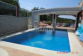 Villa with 4 bedrooms only 1000 meters from the beach Girona
