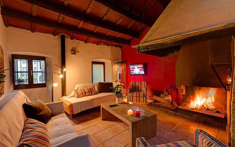 Casa de piedra con Spa, con gran terraza y vistas. Girona/Gerona