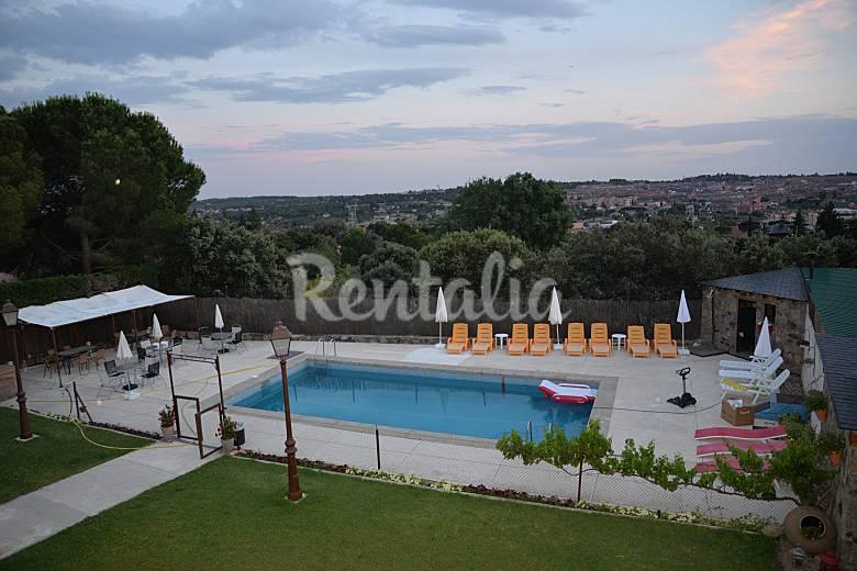 Villa en alquiler con piscina galapagar madrid for Piscina galapagar