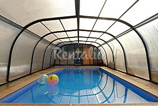 House with 5+2 bedrooms with swimming pool Barcelona