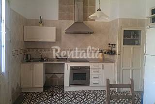 House with 2 bedrooms on the beach front line Alicante