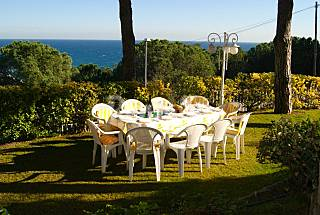Villa for 10-11 people only 500 meters from the beach Barcelona