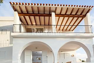 Casa entre pinos en Cala Bassa Ibiza/Eivissa