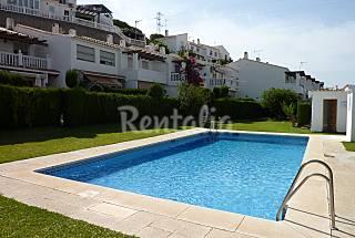 Chalet Adosado con piscina en la Cala del Moral  Málaga