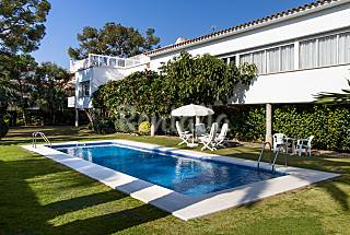 Villa en alquiler a 100 m de la playa Barcelona