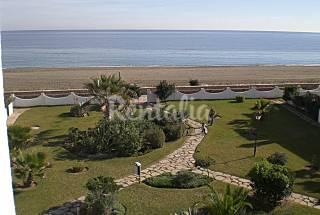 Villa familiar 4 dormitorios en 1a línea de playa Málaga