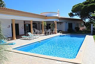 Villa en alquiler a 2300 m de la playa Algarve-Faro