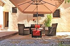 The Queen Apartment in Granada Granada