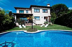 Villa for 10 people at 3500 m from the beach Barcelona