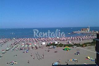 Apartment with 2 bedrooms on the beach front line Venice