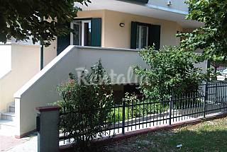 Apartment for 4-6 people only 200 meters from the beach Venice