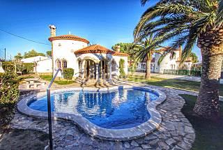 Villa con jardín y piscina privado para 6 pax Tarragona