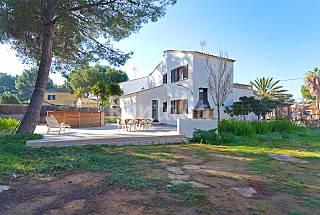 Casa en zona residencial a 500 m de la playa