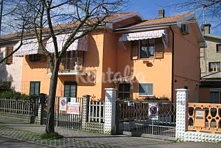 Casa per 6-8 persone a 500 m dalla spiaggia Ferrara