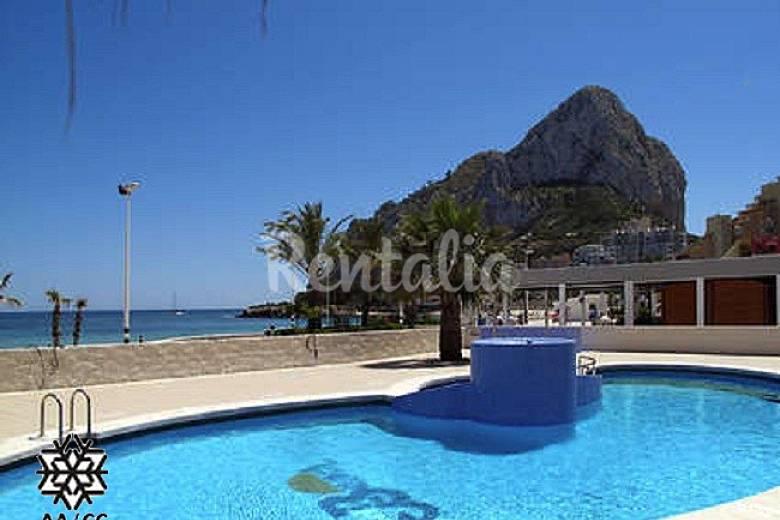 Appartement an het strand met zeezicht en zwembad calpe calp alicante costa blanca - Zwembad met strand ...