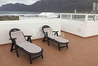 Casa para 6 personas en 1a línea de playa Lanzarote