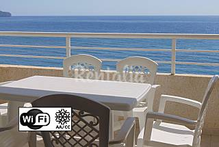 Apartment with pool and sea views, beach 50 meters Alicante