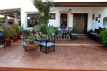 Villa toscana para 10 personas a 3 km de la playa la for Muebles la toskana chiclana