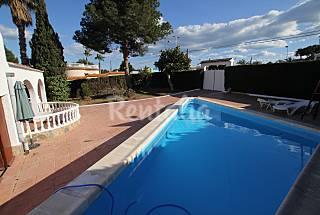 Casa de 3 habitaciones a 1.8 km de la playa Alicante