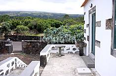 House for 8 people with views to the mountain Pico Island