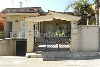 Villa for 6-7 people only 200 meters from the beach Lecce