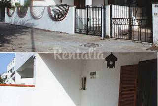 Villa for 6-11 people only 200 meters from the beach Foggia