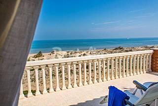 Casa de 3 habitaciones en 1a línea de playa Valencia