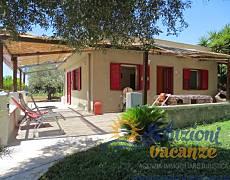 Villa con giardino a San Lorenzo Siracusa