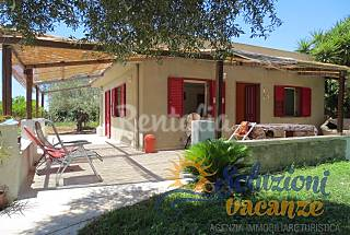 Villa with garden in San Lorenzo Syracuse