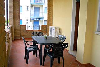 Apartamento de 2 habitaciones a 50 m de la playa Ferrara