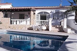 Magnífica Villa con jardín y piscina privada Tarragona
