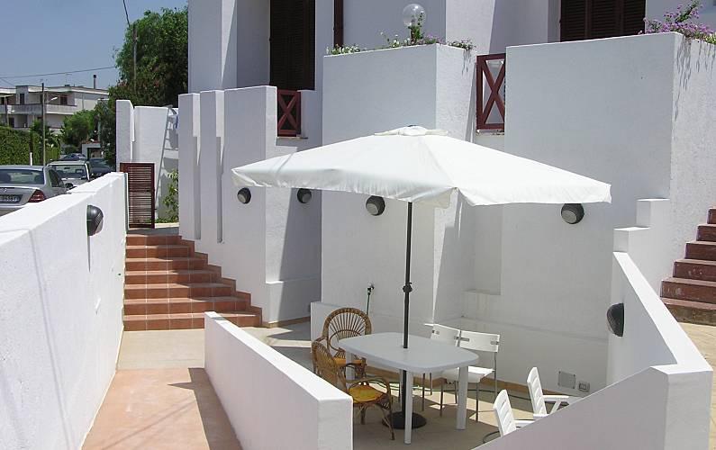 Appartamenti in villa a 150 mt dalla spiaggia rivabella for Bagno 8 rivabella