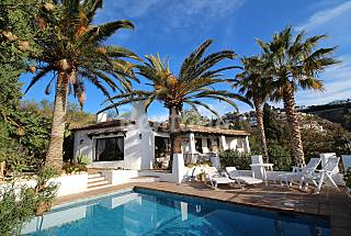 Villa for rent only 1500 meters from the beach Granada