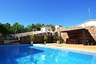 Fantastic 4 bed Room Villa Private Pool and WIFI Algarve-Faro