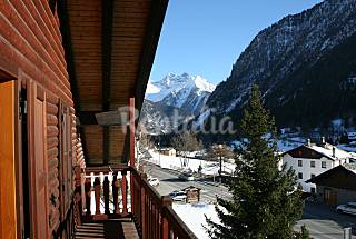 Apartment a few steps from the lake of Brusson Aosta
