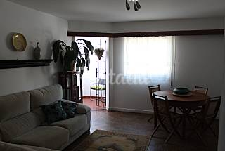 Apartment for 5-6 people only 500 meters from the beach Lisbon