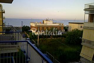 Apartment for 4 people only 100 meters from the beach Latina
