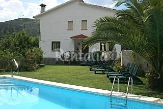 Casa independiente con piscina y jardín  Ávila