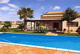 Villa for rent only 500 meters from the beach Ragusa