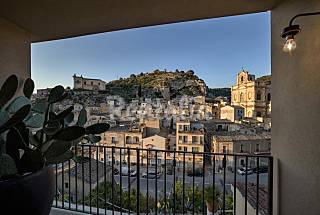 Platone, luxury apartment with panoramic view Ragusa