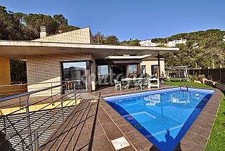 Villa for 9-10 persons Girona