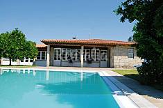 Rustic house with private pool for 9 persons Viana do Castelo