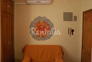 Apartment with 2 bedrooms only 500 meters from the beach Cádiz