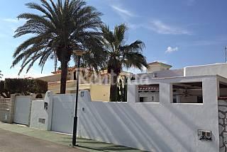 Villa para 8 personas a 80 m de la playa. Almería