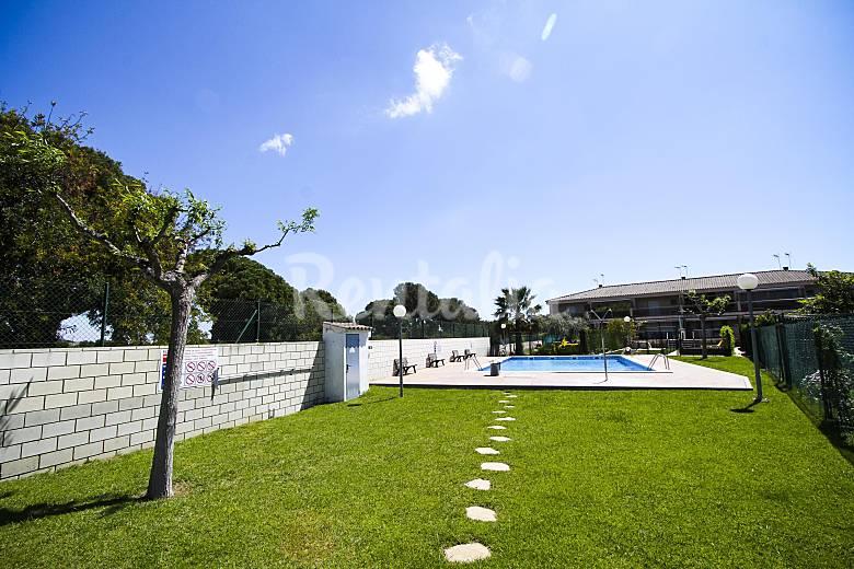 Casa de 4 habitaciones a 1000 m de la playa vilafortuny for Piscina cambrils