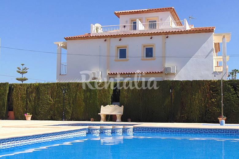 Casa de vacaciones con piscina en calpe calpe calp for Piscinas calpe